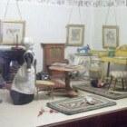 Het poppenhuis, historisch en modern