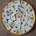 Spel met Rummikub-stenen: Jokeren